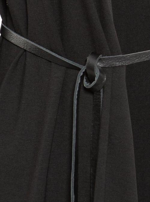 Schmaler Ledergürtel mit Metallenden, black