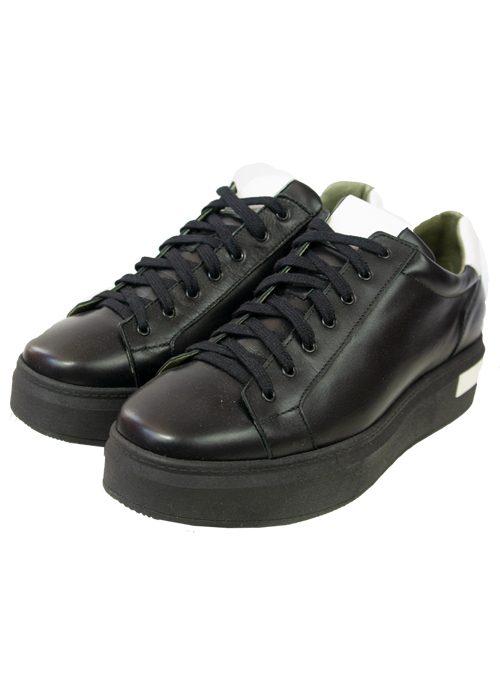 Plateau Sneaker, Minimalistic, Black and white
