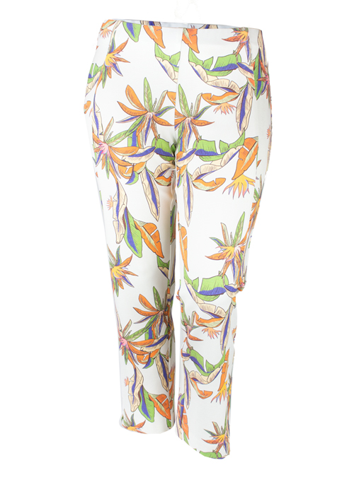 Complementing Pants, Printed Cropped, Exotic