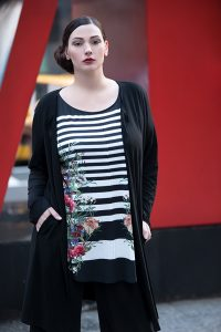 Plus Size Fashion-Statement und Stil, Doris Megger Düsseldorf